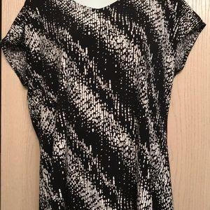 Liz Claiborne Black & White Tunic
